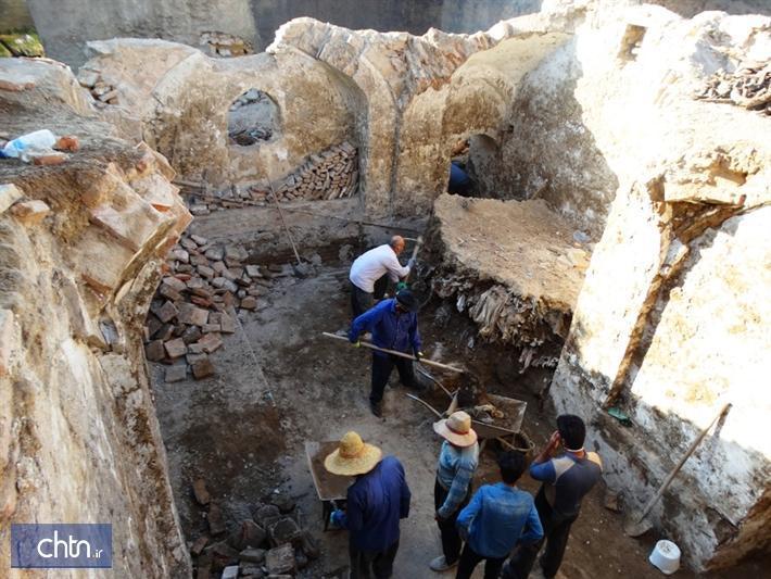 عملیات خاک برداری حمام پاشاخان سنندج انجام شد