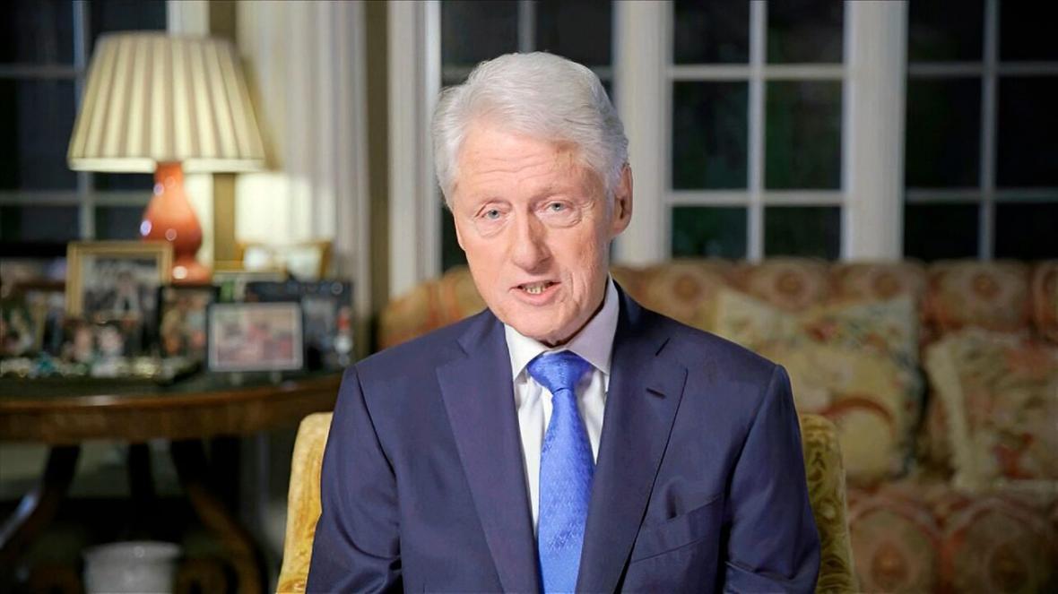 بیل کلینتون: کاخ سفید همانند مرکز توفان است