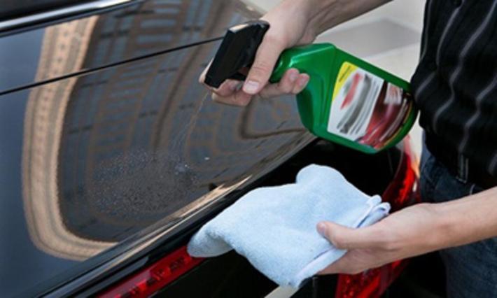 تمیز کردن چسب از روی خودرو